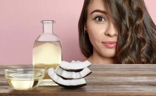 Como embelezar o seu rosto com leite de coco