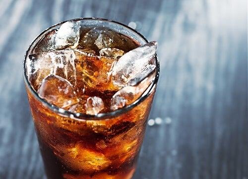 Bebidas com gás provocam gases