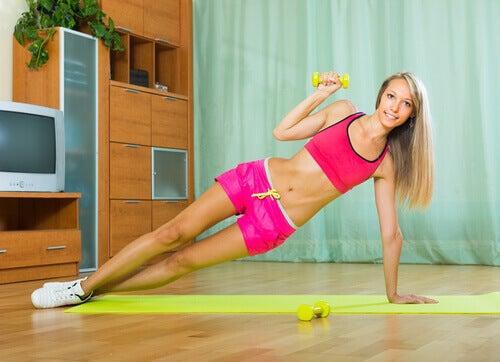 Exercícios com halteres