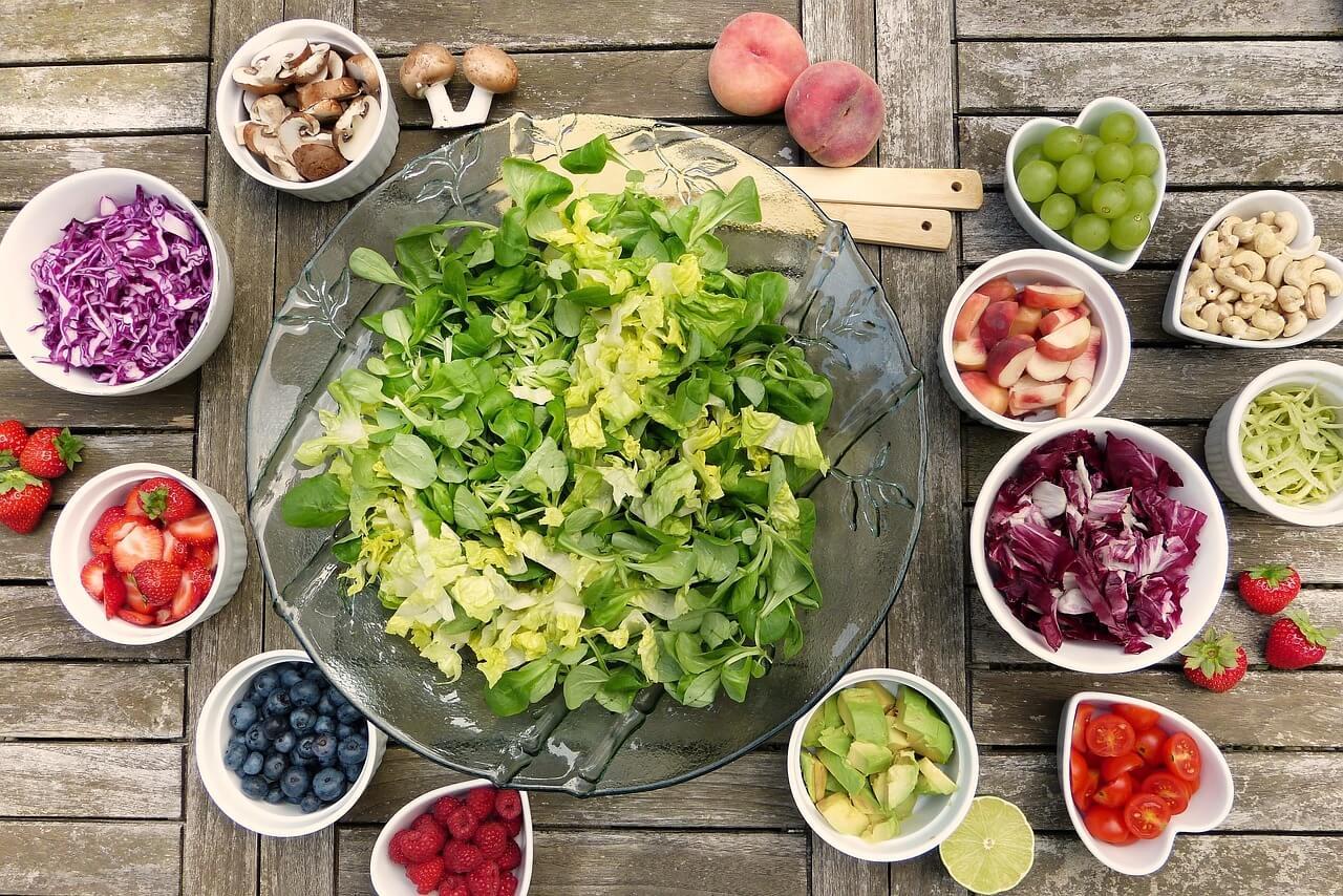 6 saladas fáceis e rápidas de preparar