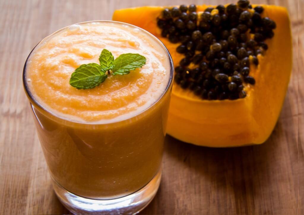 Suco de papaia, laranja e limão