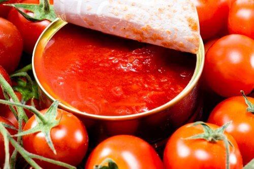Lata de tomate