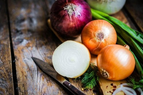 Como extrair o suco de cebola e quais são seus usos