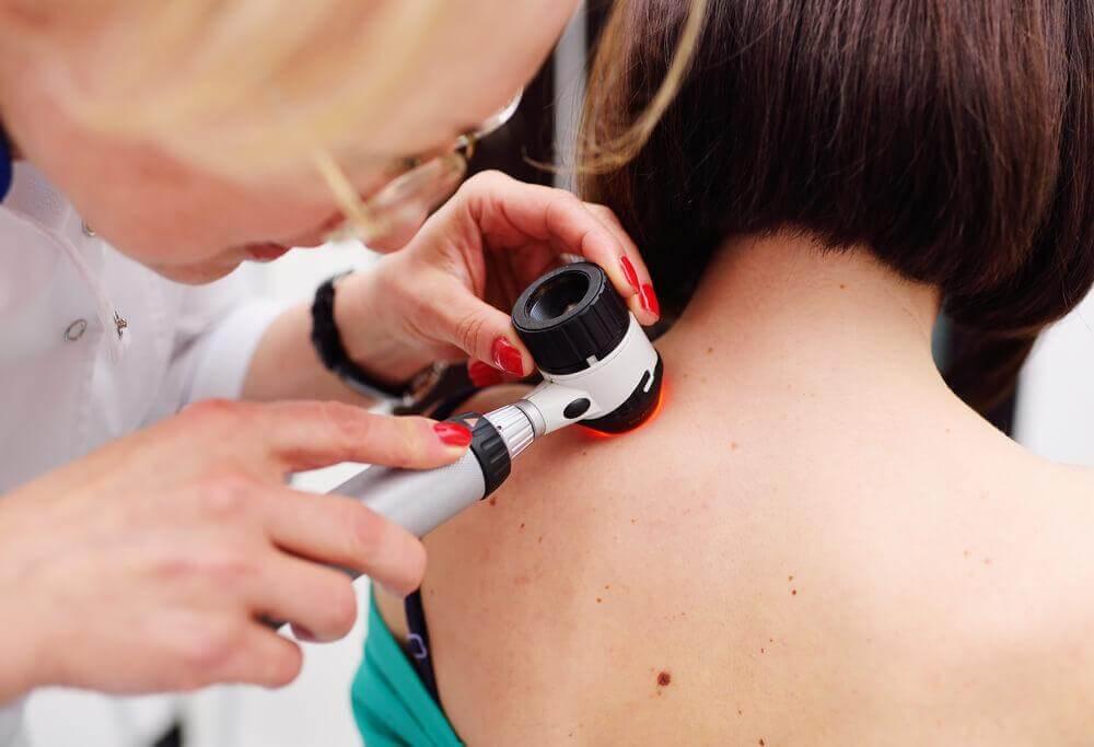Consulta com dermatologista