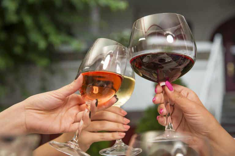 Qual vinho é mais saudável, o caro ou o econômico?