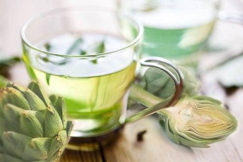 Chá de alcachofra ajuda a combater as pedras biliares