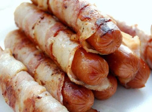 Alimentos que não se deve comer antes de dormir: Carnes embutidas