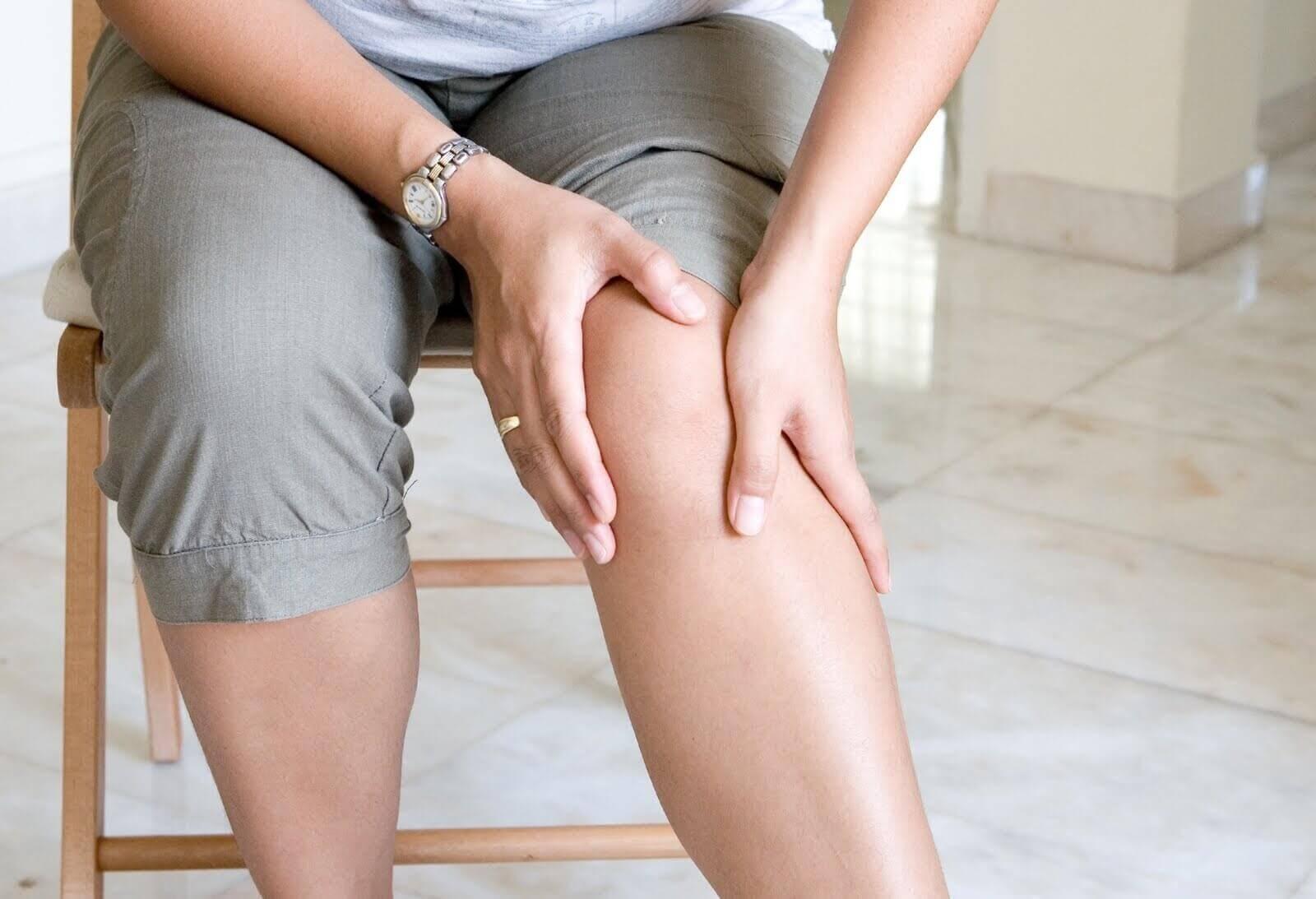 Dor articular nos joelhos