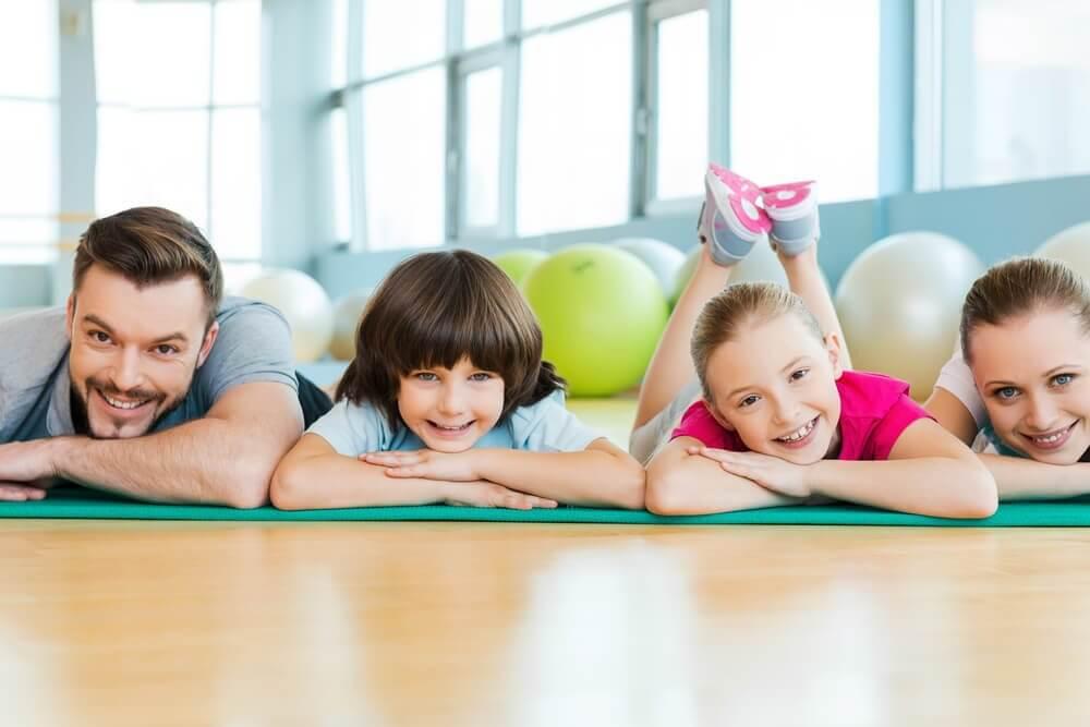 Praticar esportes em família