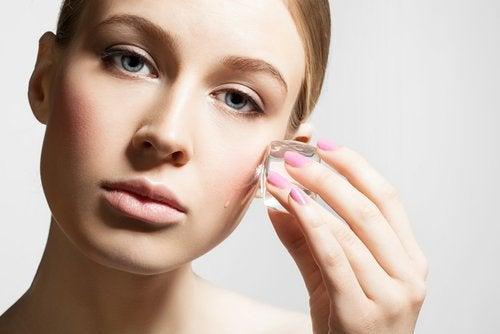Tratamento com gelo para o rosto