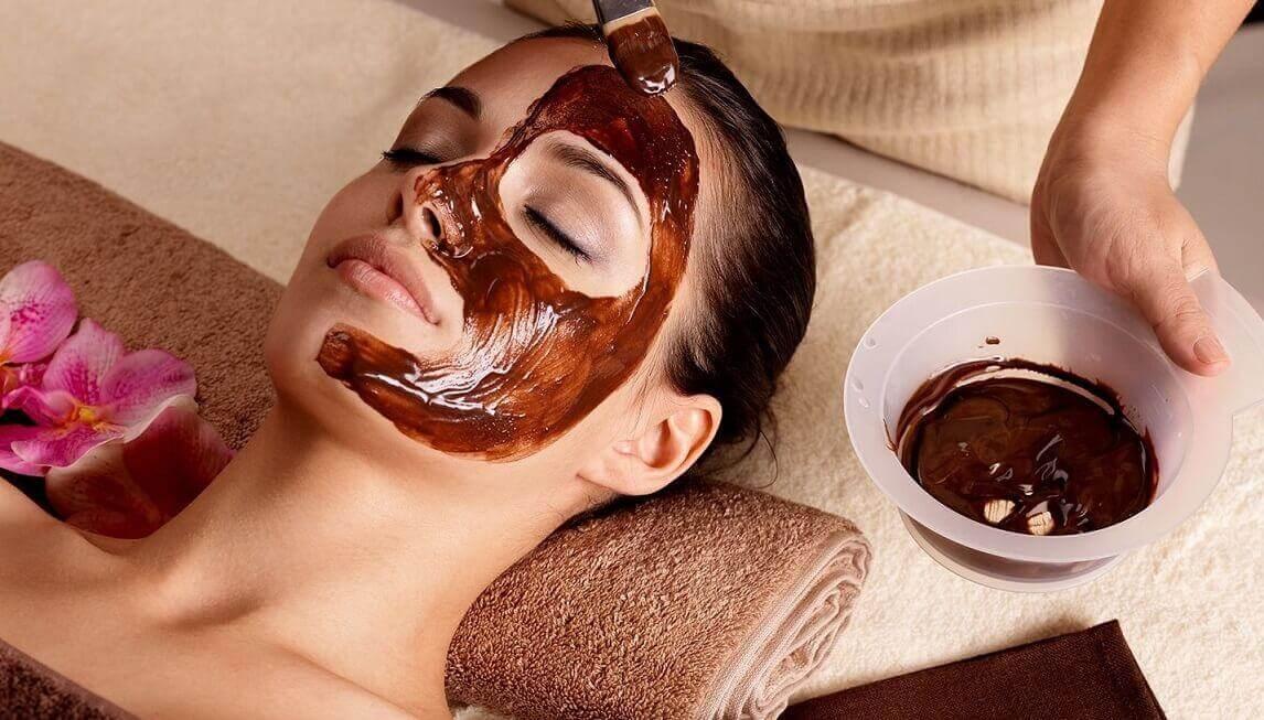 Máscara de chocolate e óleo de amêndoas