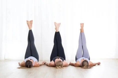 Pernas para o alto: aliviar a sensação de peso nas pernas