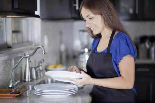 Os 8 erros mais comuns ao lavar a loiça