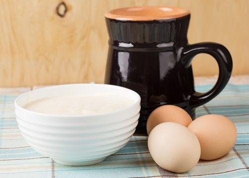 Ovos com caneca