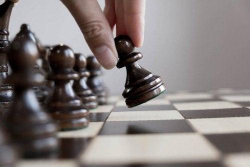 O xadres promove a superdotação inteletual
