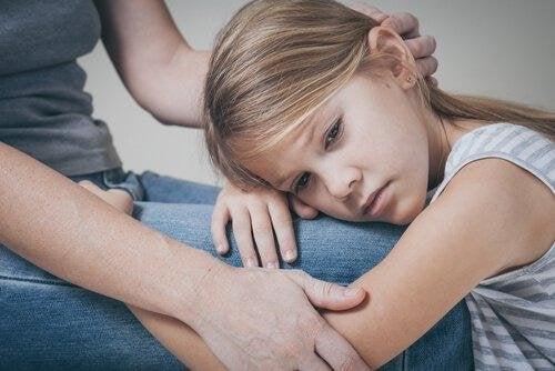 7 efeitos de ter uma mãe narcisista