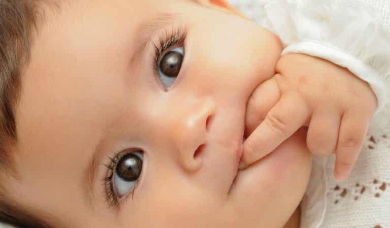 Como fazer um bebê rir?