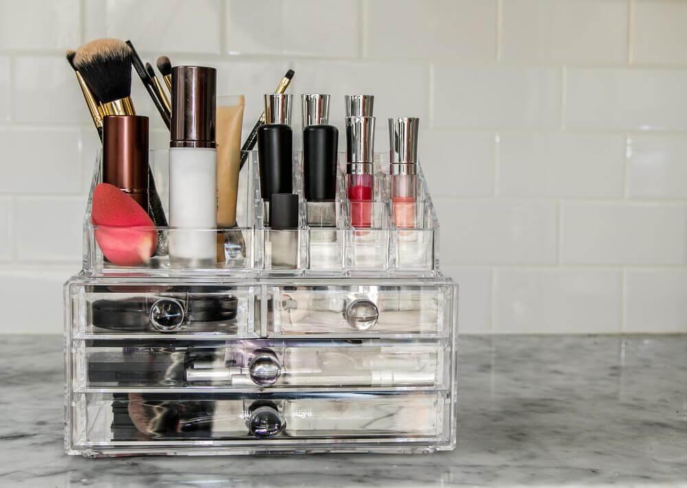 Organizadores de maquiagem feitos em casa