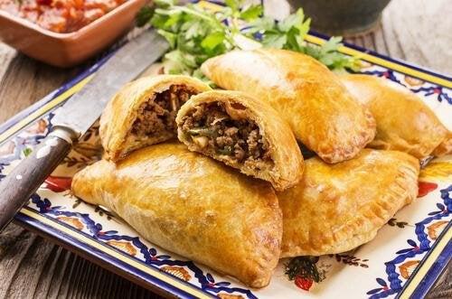 Receita caseira de empanadas de carne ou frango