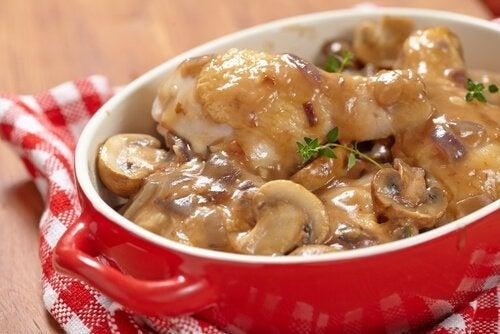 Receita de batatas com molho de cogumelos