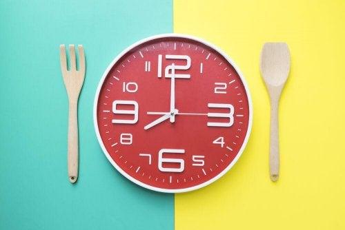 Saiba quais são as horas certas para comer