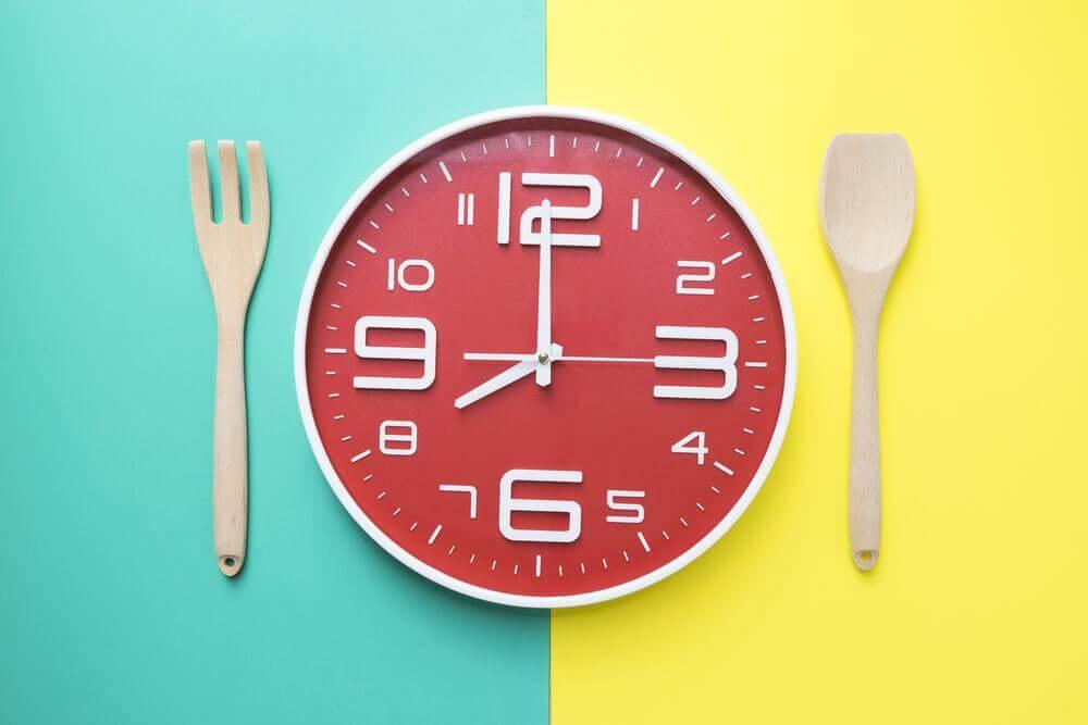 f5805923d67 Saiba quais são as horas certas para comer - Melhor com Saúde