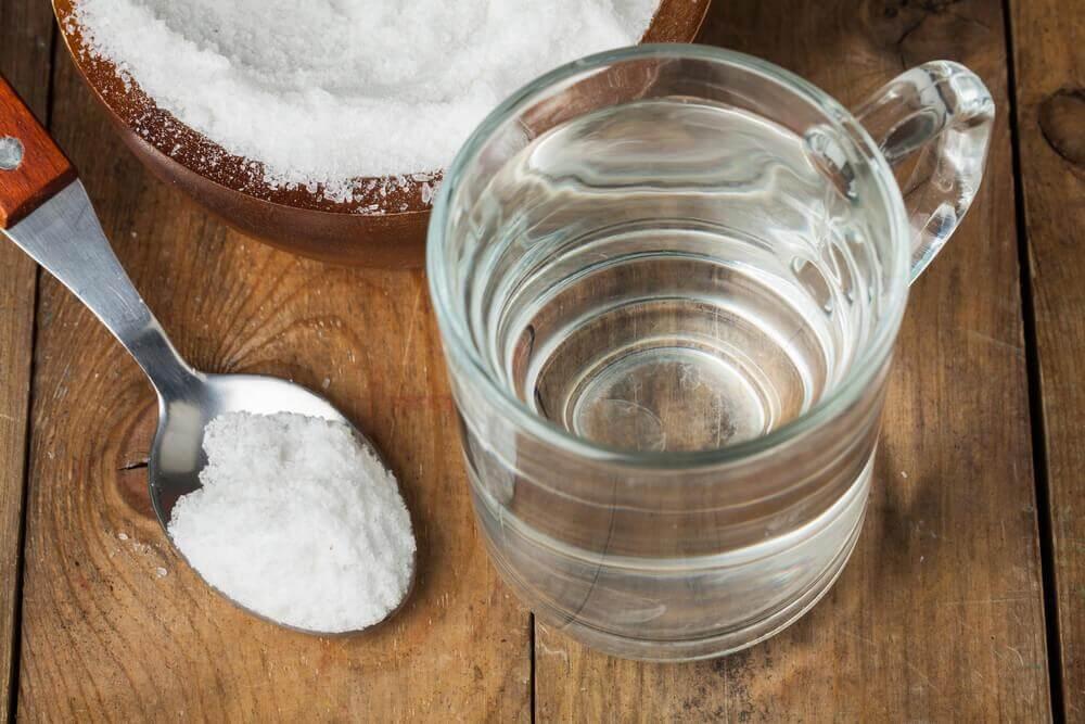 Água quente com bicarbonato