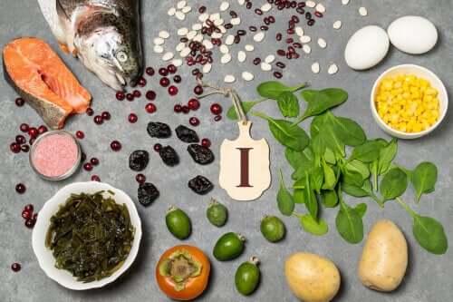 4 hábitos alimentares para melhorar a saúde da tireoide