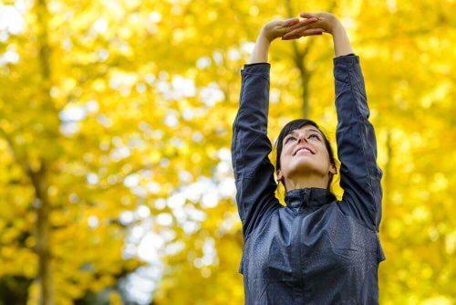 para um correto alongamento muscular para os braços