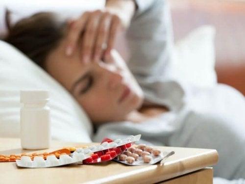 Antidepressivos sobre uma mesa