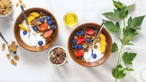 4 cafés da manhã nutritivos à base de frutas
