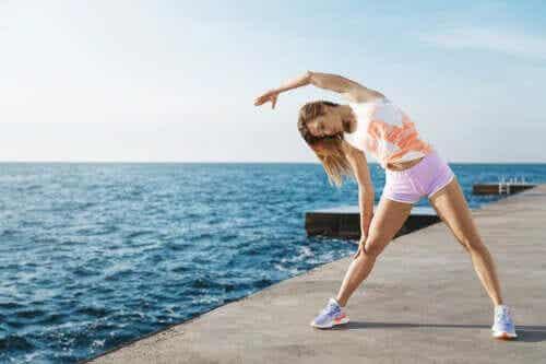 6 exercícios de alongamento muscular
