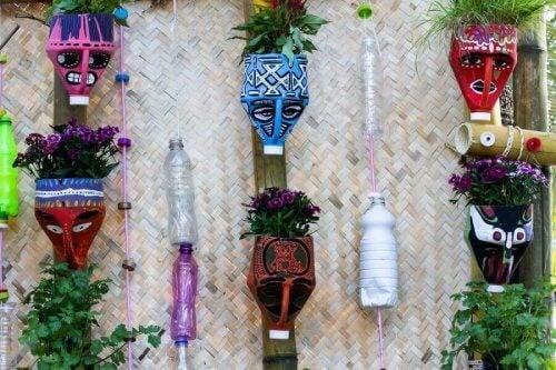 Faça esses bonitos vasos com materiais reciclados