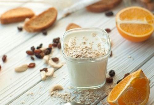Vitamina nutritiva com leite