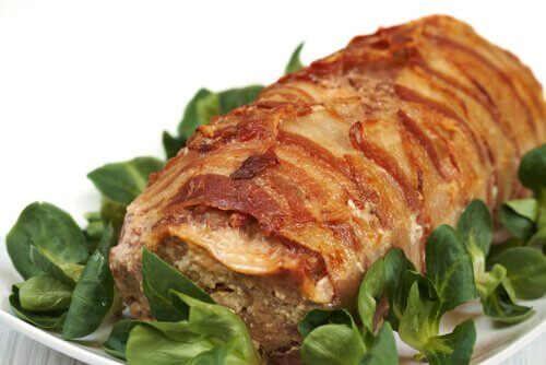 Carne marinada com manjericão