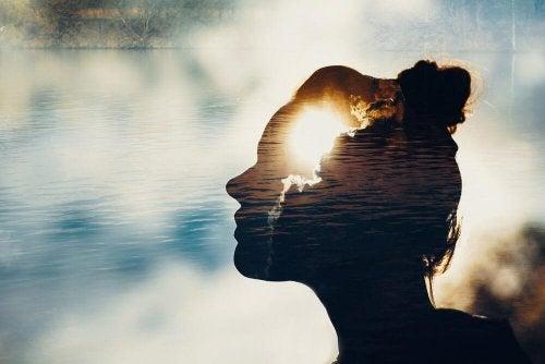 Meditar é um exercício para controlar as emoções
