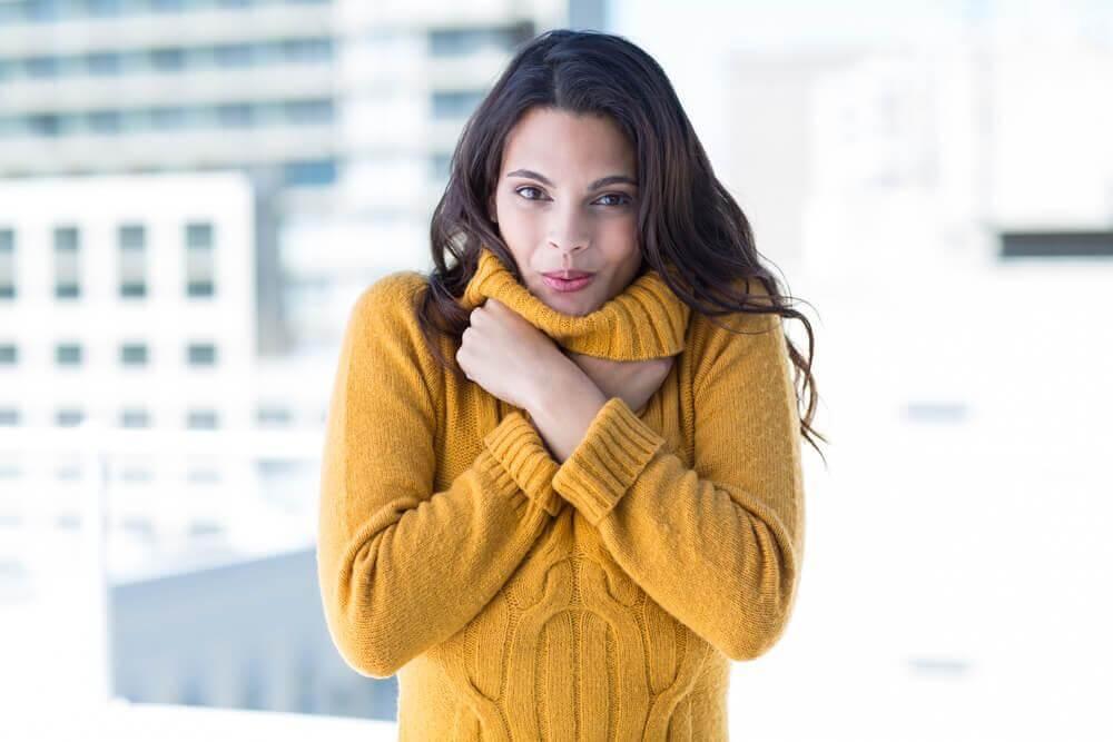 Resultado de imagem para mulher frio