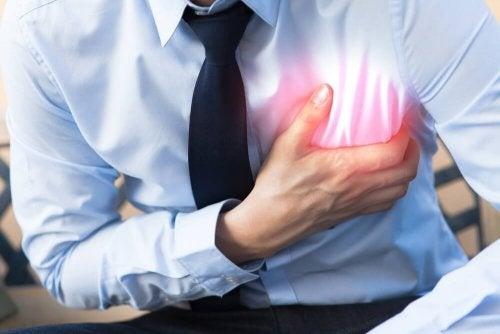 Dor no peito é uma emergência cardíaca