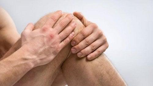 Reumatismo no joelho