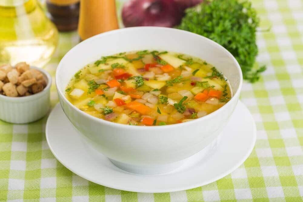 Sopas e cremes de legumes são alimentos deliciosos e saudáveis