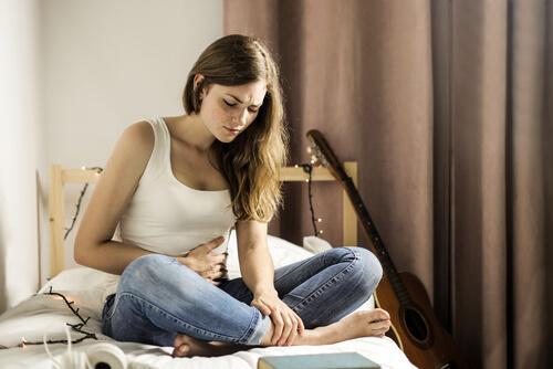 Dor abdominal é sinal do vírus do Papiloma Humano