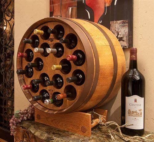 Móveis reciclados para guardar vinhos