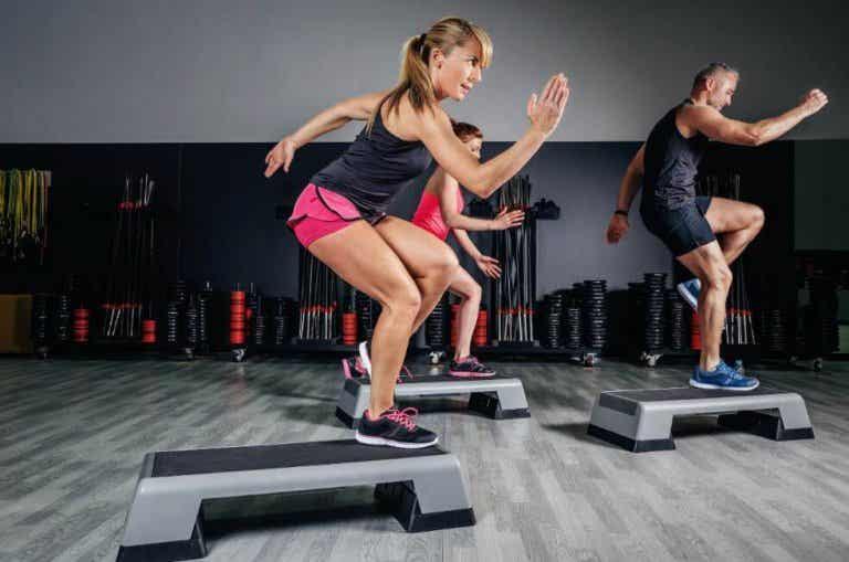 A aeróbica e seus benefícios mentais e corporais
