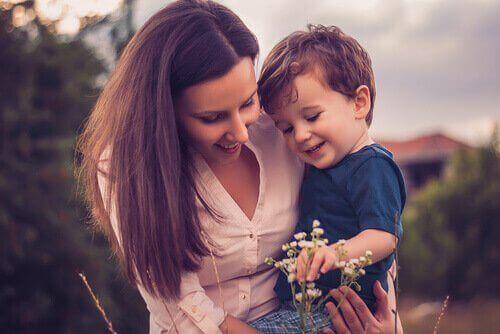 Super mãe com filho