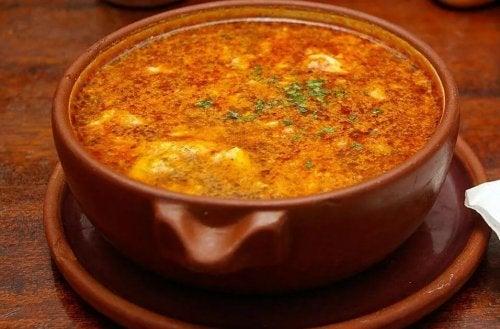 Receita deliciosa de sopa de alho: experimente!