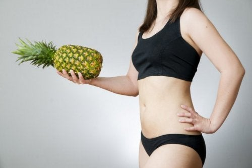 Abacaxi ajuda a perder peso
