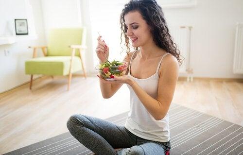 As saladas são ótimas ideias para incorporar em uma dieta efetiva