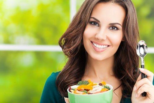 Uma alimentação saudável ajuda a obter um corpo de revista