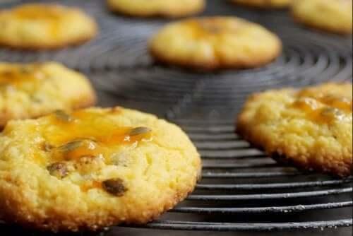 Receita de sobremesa de maracujá com biscoitos