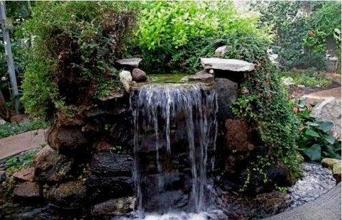 Fontes de água em cascata